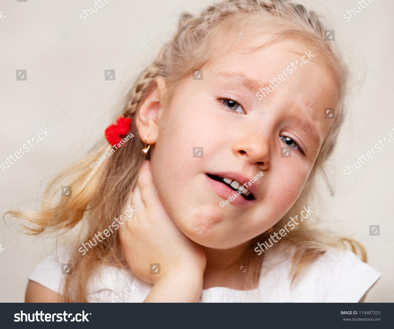 小孩子有喉咙痛
