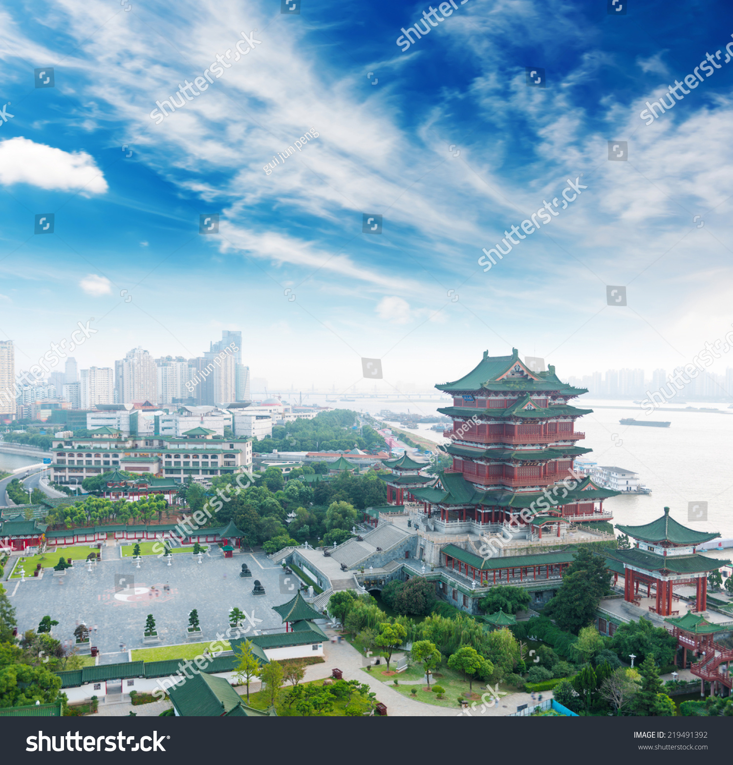 南昌滕王阁,传统的中国古代建筑,用木头做的.-建筑物