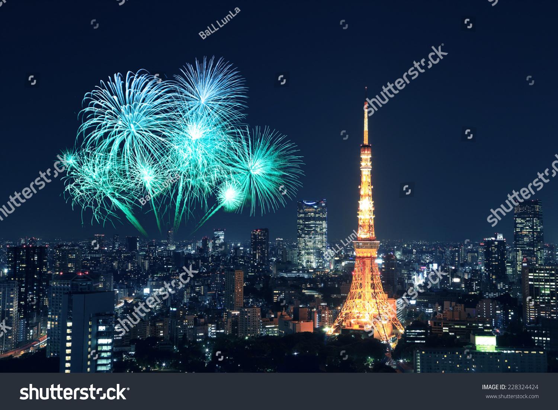 日本东京上空烟花庆祝城市夜晚-建筑物/地标,假期-()