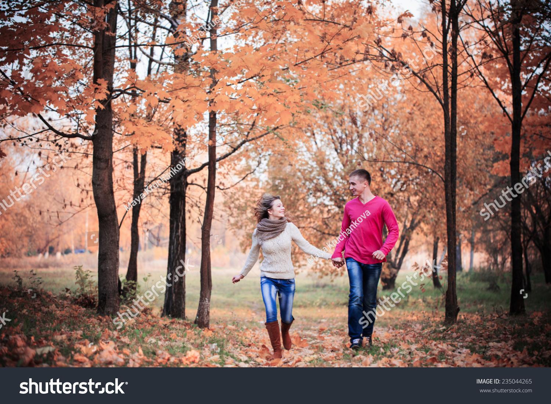 在秋天的公园-人物,公园/户外-海洛创意(hellorf)--.