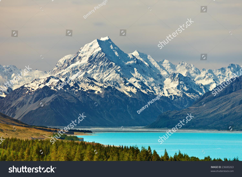 新西兰库克山和pukaki湖