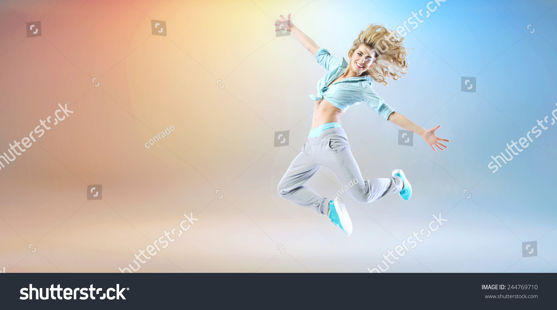 现代风格的女舞者-人物