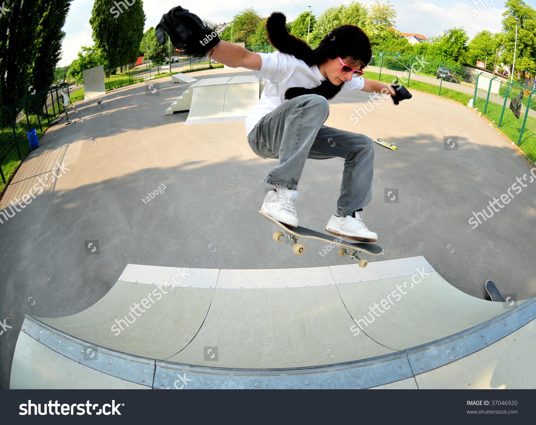 滑板教学图解gif