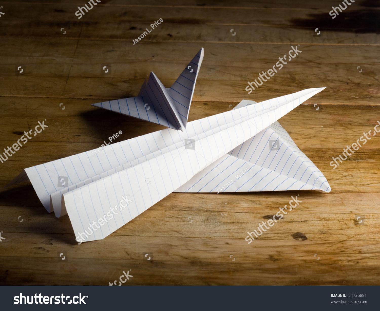 纸飞机的手-交通运输,复古风格-海洛创意(hellorf)