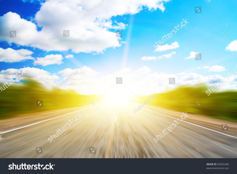 速度在阳光森林道路-交通运输,自然-海洛创意(hellorf图片